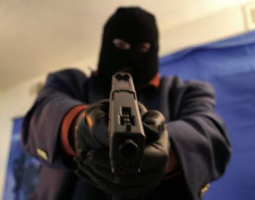 Armed Robbers Kill Man After Withdrawing About Four Hundred Thousand At A Commercial Bank In Ibadan