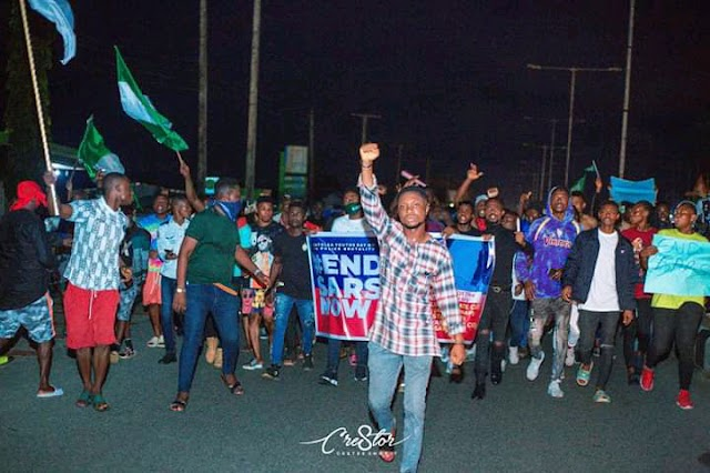 #EndSars: Bayelsa Youths Call For The Sack Of Some Notorious Police Officers In The State During The Candle Light Procession For The Departed Souls