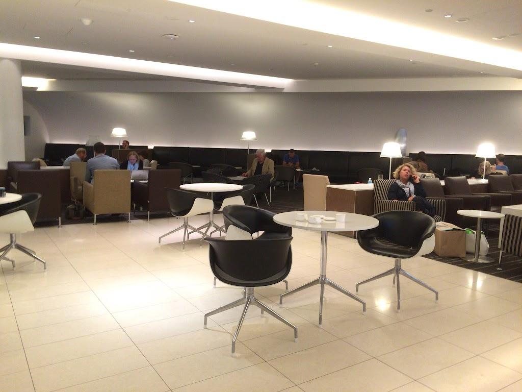 カンタス航空インターナショナルビジネス (オーストラリア・メルボルン空港)