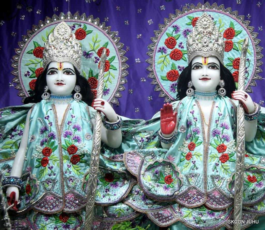 ISKCON Juhu Mangal Deity Darshan on 24th June 2016 (16)