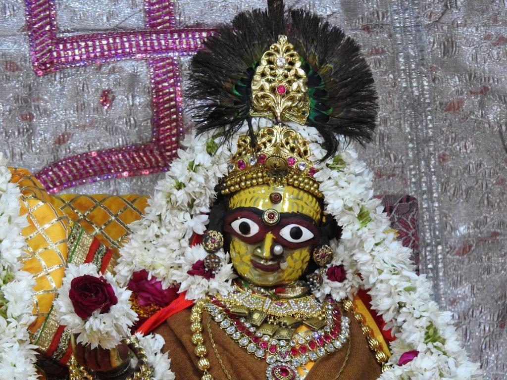Radha Govind Devji Deity Darshan 05 Jan 2017 (6)