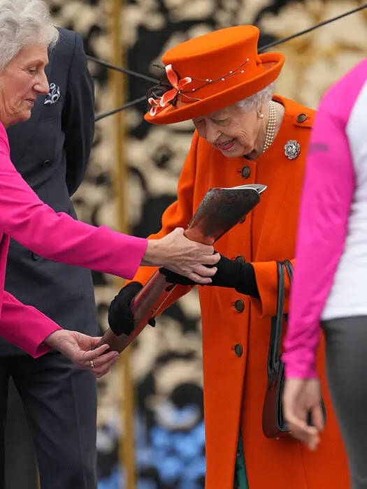 The Queen returns to Buckingham Palace for joint outing with Prince Edward