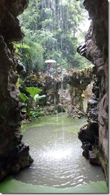 Sintra-quinta-da-regaleira-grutas-e-lagos