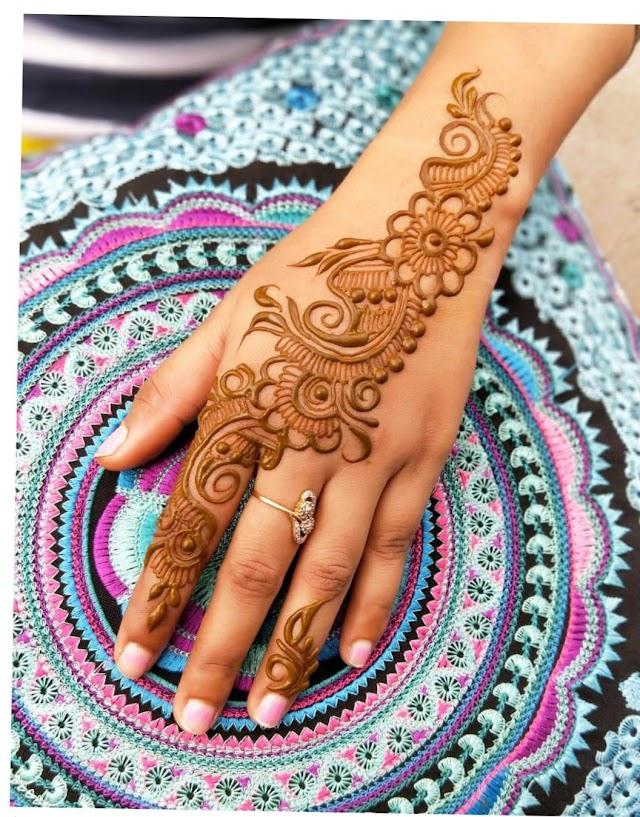 Mehndi Designs Simple Hai Ya Nahi ?