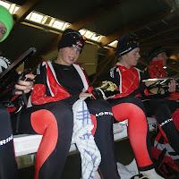 mayke s, mike, roy, sander op de ijsbaan.JPG