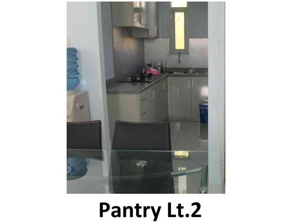 pantry-lt2