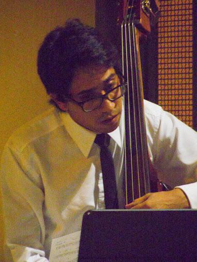 Expresión Corporal de bajista de jazz