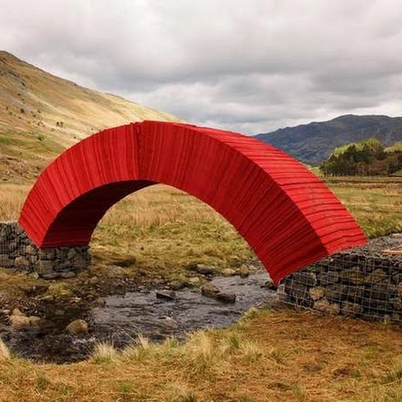 A Glue-less Paper Bridge That You Can Walk Over