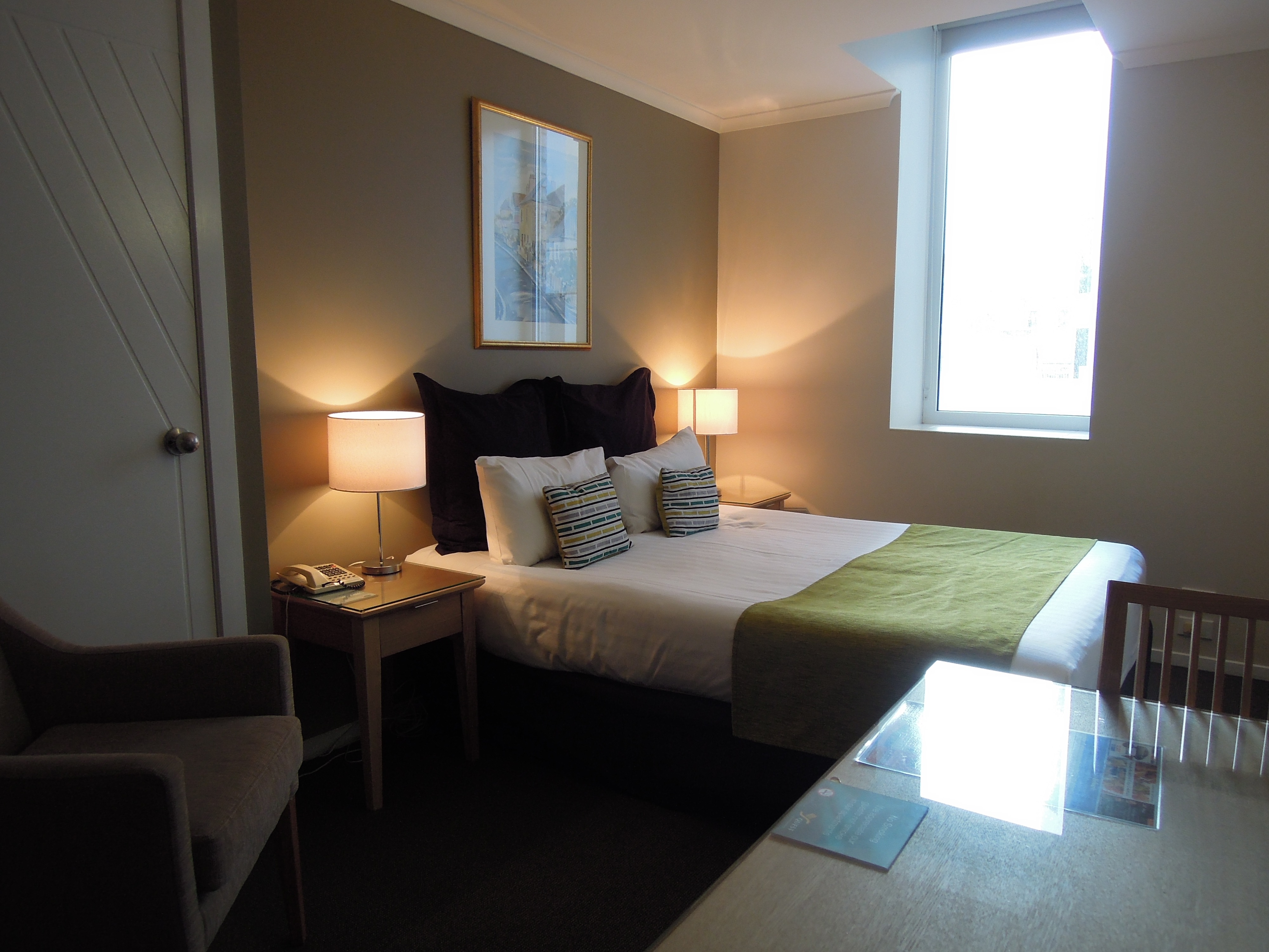 Room 33, Hobart Crest Apartments (1)
