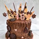 Chocolate Oreo drip cake 1.jpg
