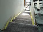 Der Maler hat die Treppe abgedeckt