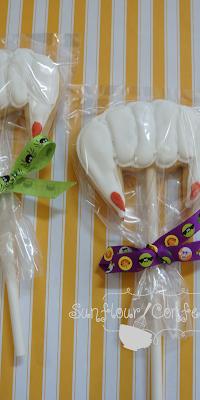 vampireteethcookies.png