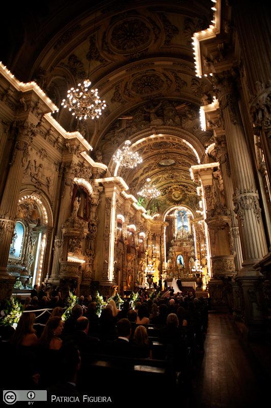 Foto de casamento 0827 de Renata e Cristiano. Marcações: 28/08/2010, Casamento Renata e Cristiano, Igreja, Igreja Sao Francisco de Paula, Rio de Janeiro.