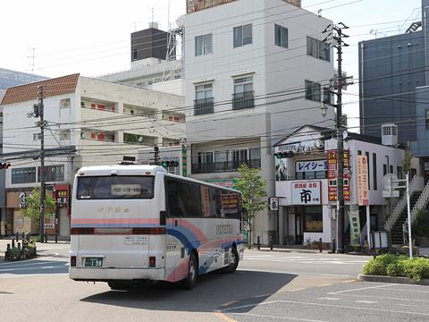 伊予鉄道「新居浜特急」 ・198 西条駅前停車中
