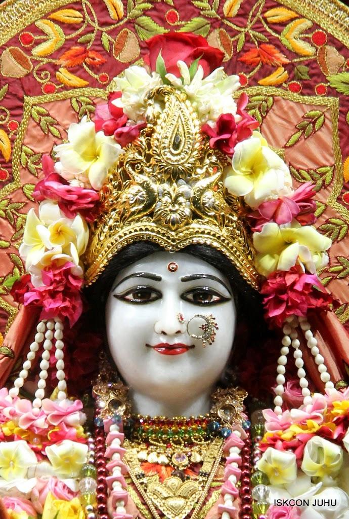 ISKCON Juhu Sringar Deity Darshan on 30th May 2016 (8)