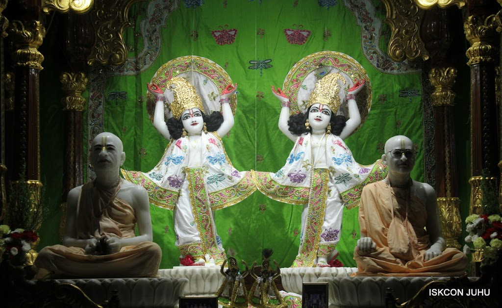 ISKCON Juhu Mangal Deity Darshan on 26th June 2016 (34)