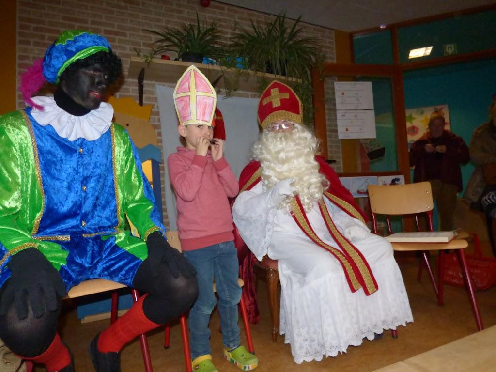Sinterklaas op bezoek - P1060505.JPG