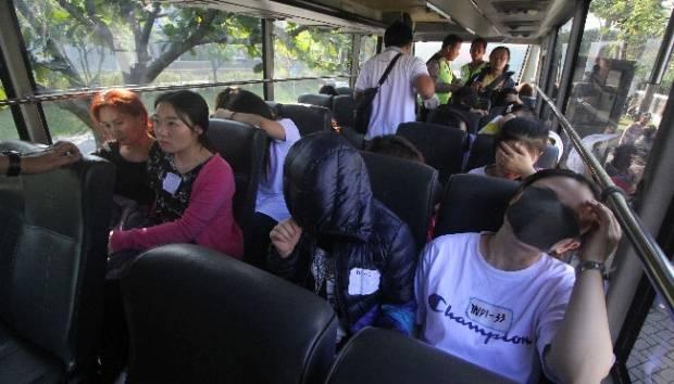 Ditolak Negaranya, 208 WNA Asal China Kembali Pulang ke Surabaya dan Semarang
