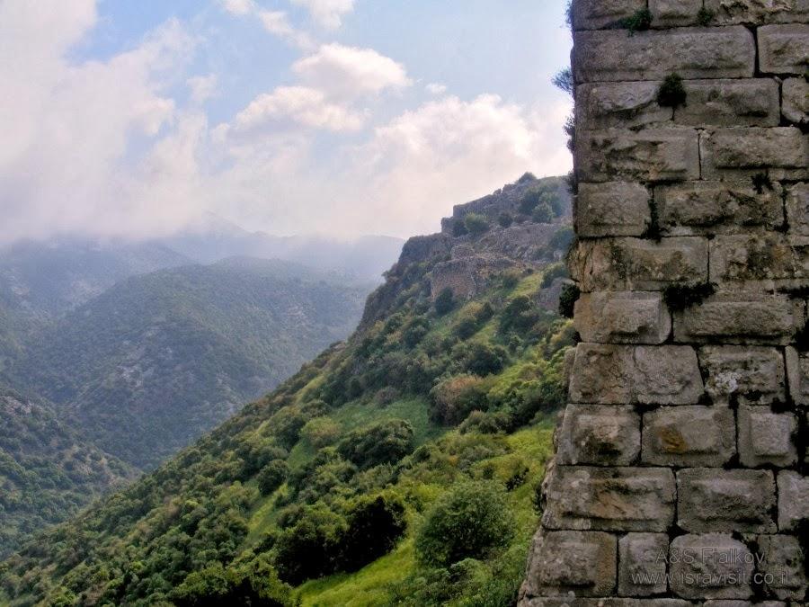 Крепость Нимрод контролирует долины. Экскурсия в Голаны. Гид Светлана Фиалкова.