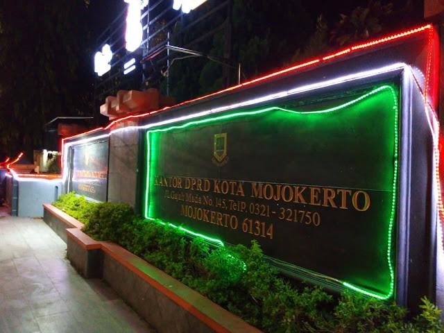 Lampu Kantor DPRD Kota Mojokerto
