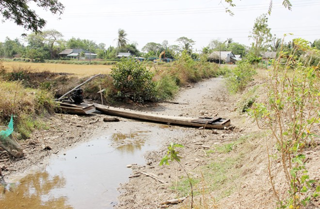 A dried canal in Soc Trang Province, Vietnam, 1 March 2016. Photo: VietNamNet Bridge