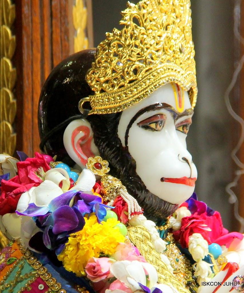 ISKCON Juhu Sringar Deity Darshan on 29th April 2016 (25)