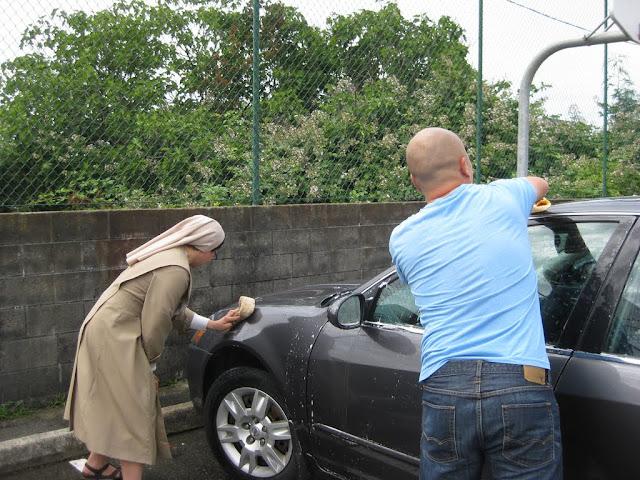 Altar Servers Car Wash 2011 - IMG_5848.jpg
