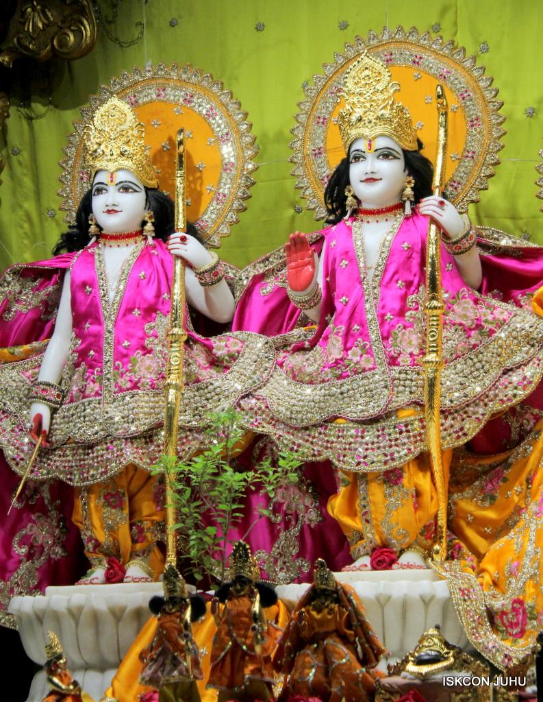 ISKCON Juhu Mangal Deity Darshan on 12th Sep 2016   (4)