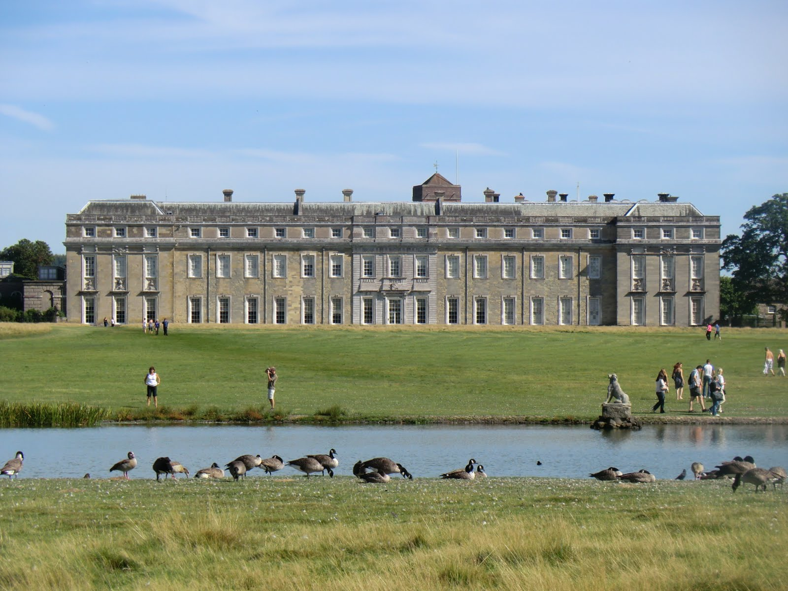 CIMG3999 Petworth House from Upper Pond