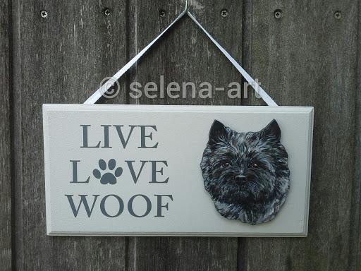 Love Live Woof donkere Cairn.jpg