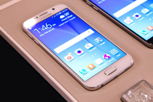 Mot so nhuoc diem tren Galaxy S6 cua Samsung  anh 1