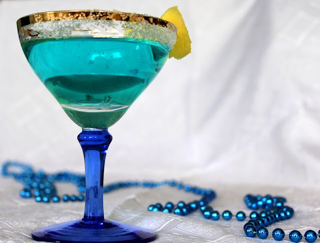 Blue Hawaii cocktail. Rețetă și istoric
