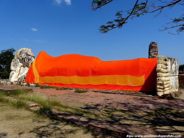 buda-reclinado-ayutthaya-Wat-Lokaya-Sutha.JPG
