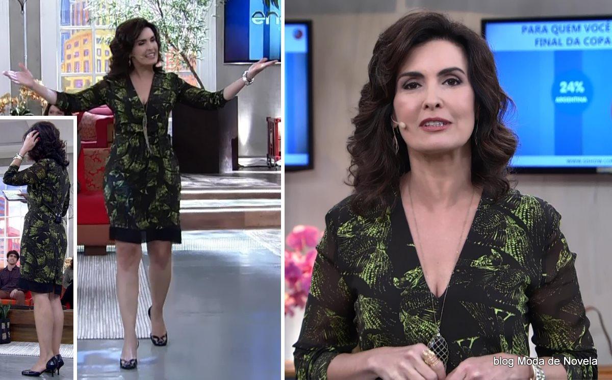 moda do programa Encontro - look da Fátima Bernardes com vestido estampado manga longa dia 11 de julho