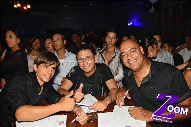 Latina 92.3fm Presenta 2do Festival de Karaoke @ Different Bar 4 April 2015 - Image_42.JPG