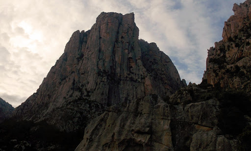 La fin de la traversée au rocher sous le col Capu d'Ortu - Signore Centrale