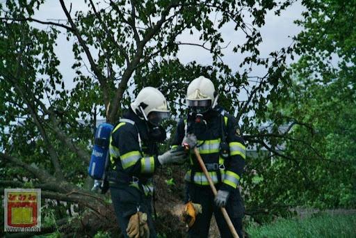Noodweer zorgt voor ravage in Overloon 10-05-2012 (18).JPG