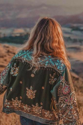 4  Fashion Jaket Wanita Yang Paling Trendy