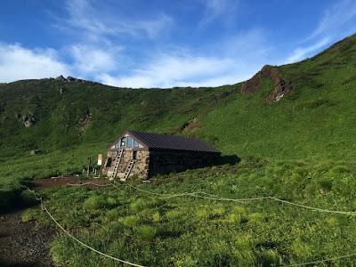 八幡平と裏岩手縦走(3日目) 岩手山9合目から山頂そして焼走り下山