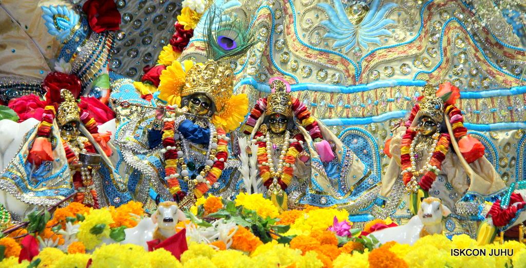 ISKCON Juhu Sringar Deity Darshan on 30th Dec 2016 (7)