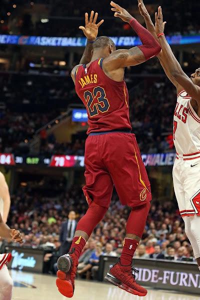 5e2e858eb1f LeBron James in Nike LeBron 15