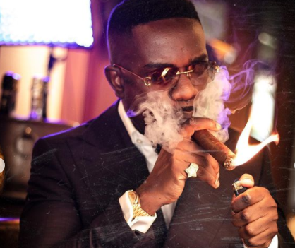 Cigar signifies celebration and so who should i apologize to? Sarkodie Questions After Organizations Mount Pressure On Him For Posting Cigar Photos.