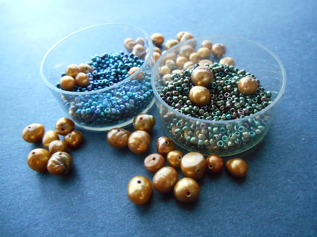 Heirloom Ornament Bead Color Idea