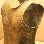 Musée d'archéologie nationale, Age du fer : cuirasses en bronze, VIIIe siècle av. J.-C. (Marmesse, Haute-Marne)
