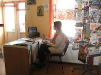 Gerenyi Olga üzletvezető a királyhelmeci magyar könyvesbolt üzemeltetője.jpg