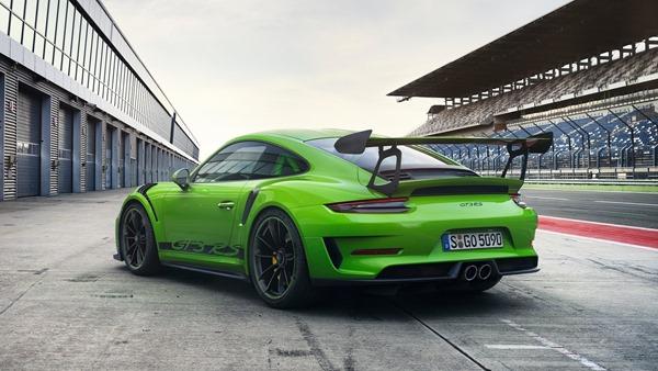 Porsche-911_GT3_RS_rear