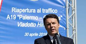 Renzi inaugura viadotto intatto