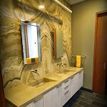 Onyx Bath w slate floor 01.JPG