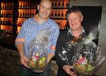Gerold de Maag en Henk Marsman verlaten beiden na jarenlange dienst de Jeugdcommissie. Zij krijgen beiden een glazen bokaal met het logo van de Jeugdshow aangeboden.