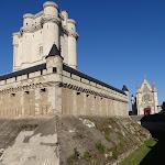 Château de Vincennes : angle sud-ouest de la chemise et donjon